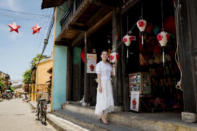 Đinh Hiền Anh ra mắt MV thứ hai trong dự án Thương - 5