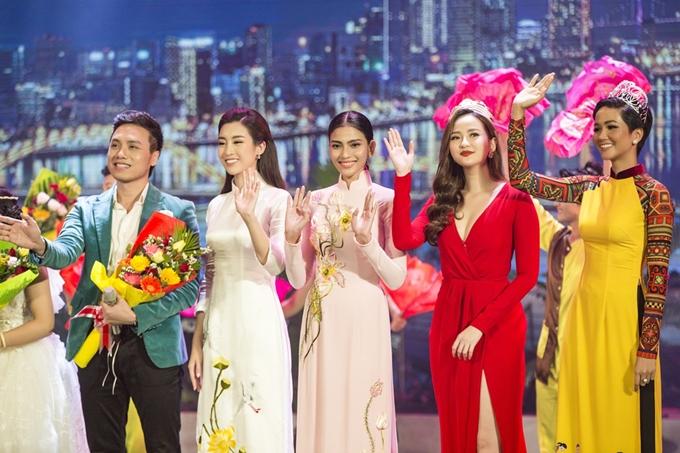 Sự kiện diễn ra vào đúng ngày sinh nhật của Trương Thị May. Ban tổ chức và các khách mờibất ngờ mừng sinh nhật và gửi lời chúc đến Trương Thị May ngay trên sân khấu.