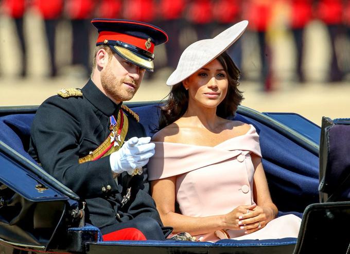 Bóc giá 3 set đồ Meghan Markle mặc khi dự sự kiện cùng Nữ hoàng - 9