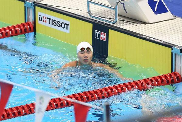 Ánh Viên sau khi về đích ở nội dung 400m hỗn hợp. Ảnh: Mai Hương.