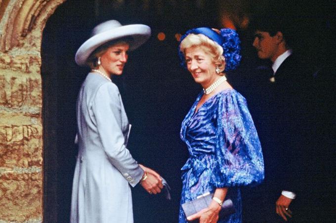 Cố công nương Diana và mẹ đẻ, bà Frances Shand Kydd. Ảnh: WireImage.