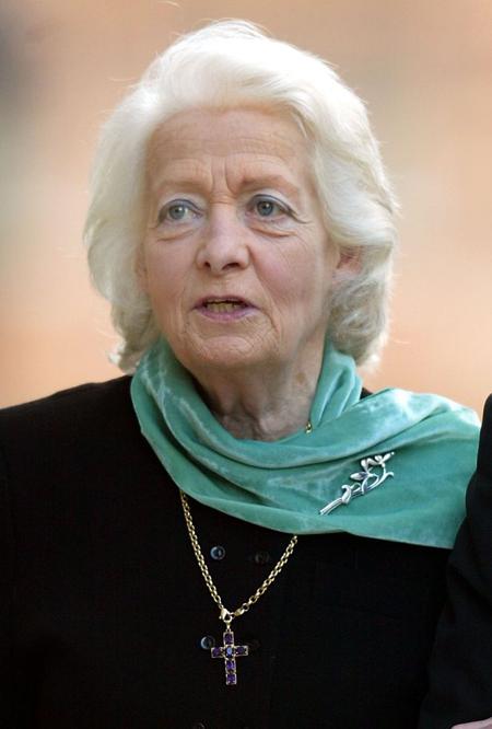 Bà Frances qua đời ở tuổi 68. Ảnh: UK Press.