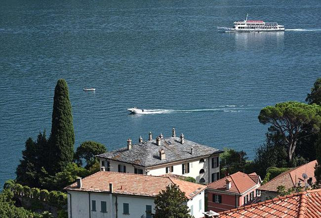 Hồ Como ở Italy nổi tiếng là nơi có nhiều căn hộ đắt tiền, chốn nghỉ dưỡng lý tưởng cho những người nổi tiếng, đại gia trên thế giới. Ảnh: Mega.