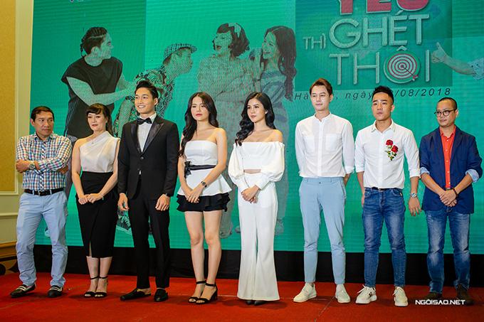 Yêu thì ghét thôi khai thác sâu cuộc sống hôn nhân của 2 cặp đôi là ông Quang và bà Diễm, Du và Kim với nhiều va chạm, mâu thuẫn. Phim do đạo diễn Trịnh Lê Phong thực hiện, sẽ lên sóng VTV3 vào các tối thứ tư và thứ năm hàng tuần từ ngày 29/8, sau khi bộ phim Cả một đời ân oán kết thúc.