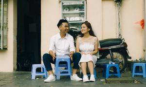 Ảnh cưới ngẫu hứng trên phố cổ Hà Nội của uyên ương ngành ngân hàng