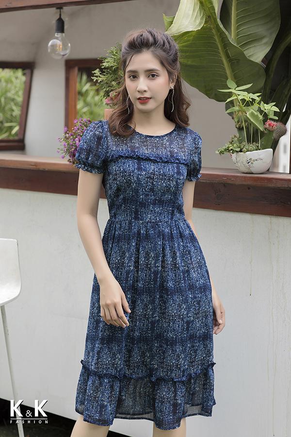 Đầm xanh xòe phối bèo xinh xắn KK76-16 giá 420.000 đồng.
