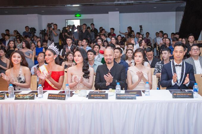 Buổi công bố dự án Ngôi sao danh vọng tại Hà Nội.