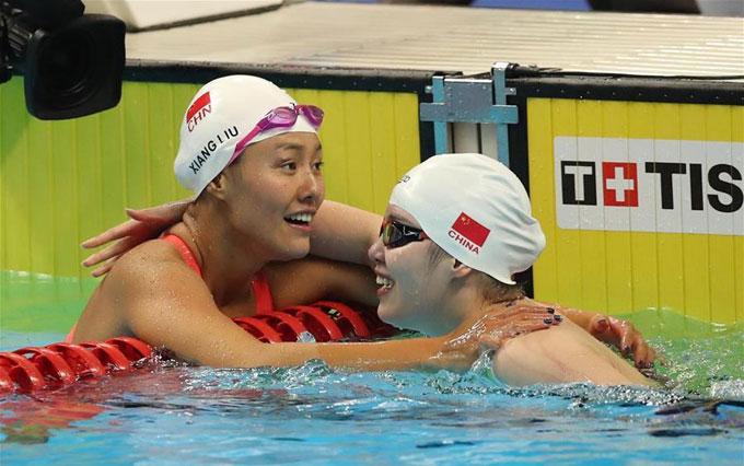 Lưu Sương không phải hy vọng lớn nhất của đội bơi Trung Quốc ở nội dung 50m ngửa. Tuy nhiên, VĐV gốc Quảng Đông đánh bại đồng đội Phó Viên Tuệ. Viên Tuệ là chủ nhân của HC vàng ở đường bơi 100m ngửa.