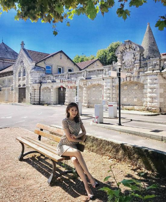 Hà Diễm Quyên thường xuyên chia sẻ ảnh đi du lịch trên mạng xã hội.