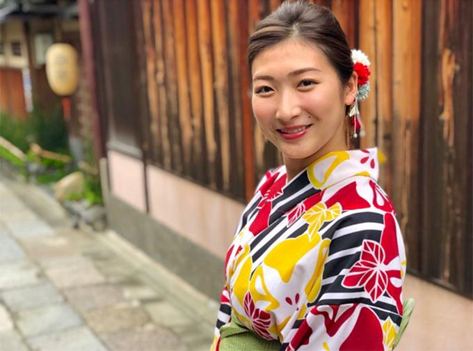 Rikakolà niềm hy vọng rất lớn của đội tuyển bơi Nhật Bản ở các giải đấu quốc tế. Trang cá nhân của cô hiện có tới gần 60.000 người theo dõi.