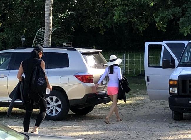 Trong một tấm ảnh được hé lộ, Kim Tae Hee trông đã thon thả rõ rệt.