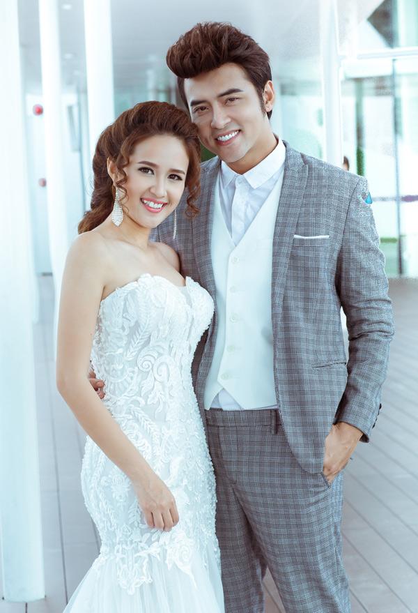 Phương Hằng kết hôn với ca sĩ Anh Tâm được hơn một năm. Cặp đôi đang tận hưởng hạnh phúc son rỗi, chưa vướng bận con cái.