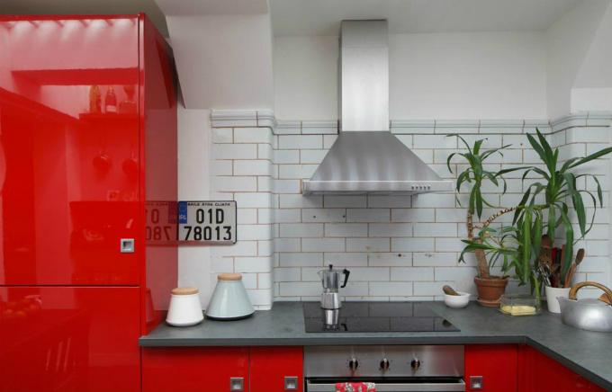 Phòng bếp có đủ các trang thiết bị cần thiết để nấu nên những bữa ăn ngon.