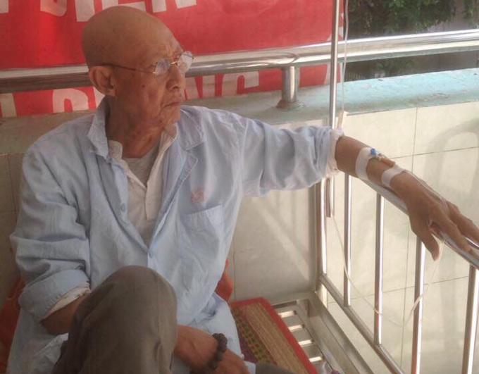 Nghệ sĩ Lê Bình đang điều trị ung thư phổi tại Bệnh viện 175 TP HCM.