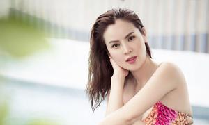 Hoa hậu Phương Lê diện áo tắm, khoe dáng bên hồ bơi