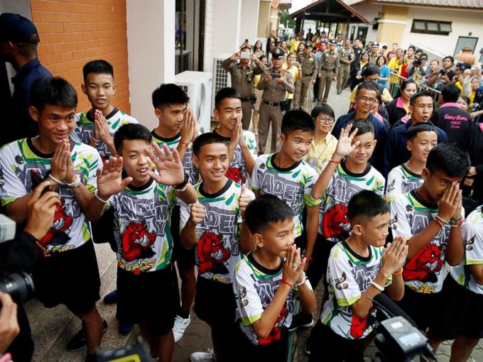 Đội bóng Thái Lan kể chuyện hành trình thám hiểm trong hang Tham Luang - 2