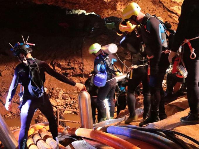 Đội bóng Thái Lan kể chuyện hành trình thám hiểm trong hang Tham Luang - 1