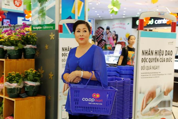 Hồng Vân sở hữu bộ dao Vivo cao cấp khi tích điểm mua sắm tại Co.opmart.