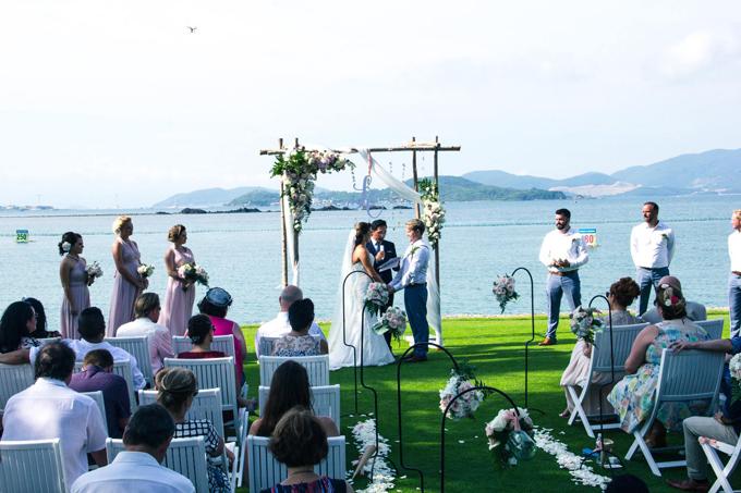 Địa điểm tổ chức tiệc cưới lãng mạn bên bờ biển
