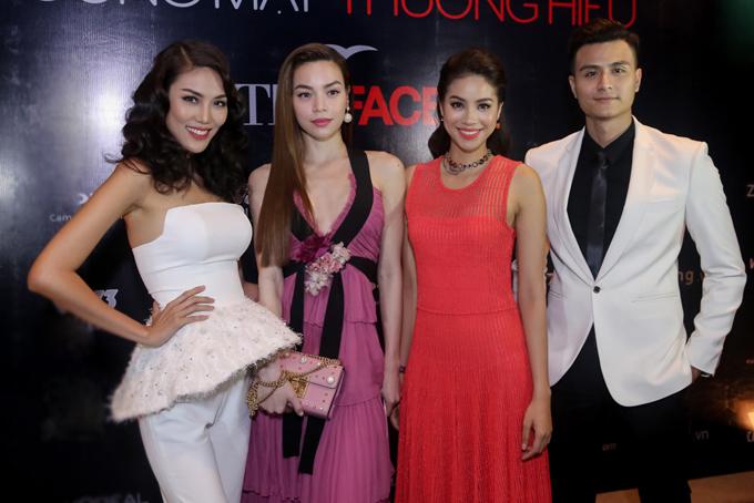 Host Vĩnh Thuỵ cùng 3 huấn luyện viên Lan Khuê, Hồ Ngọc Hà, Phạm Hương trong buổi họp báo The Face mùa đầu tiên năm 2016.