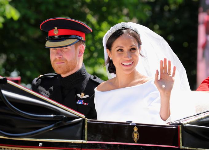 Hoàng tử Harry cưới cựu diễn viên Mỹ Meghan Markle hôm 19/5 ở lâu đài Windsor. Ảnh: UK Press.