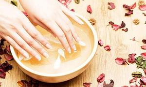 Mẹo loại bỏ vết chai, da khô nẻ và chống lão hoá cho đôi bàn tay
