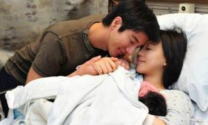 Vợ Vương Lực Hoành 4 năm đẻ 3 con