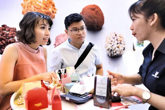 Đông đảo cặp đôi trẻ tham dự Triển lãm cưới 2018 - 9
