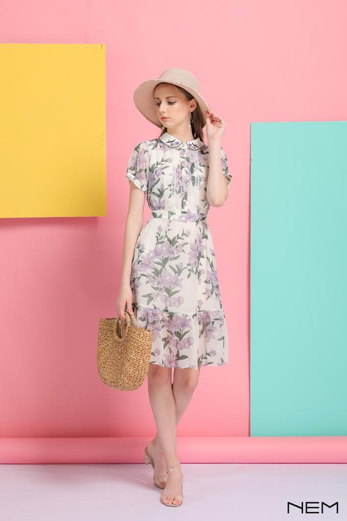 Bên cạnh đó, ngày 26/8, NEM ra mắt bộ sưu tập tiếp theo trong dòng sản phẩm NEM Luxury Limited với những thiết kế cao cấp, cập nhật xu hướng thời trang thu đông 2018 mang tênResort 18 .
