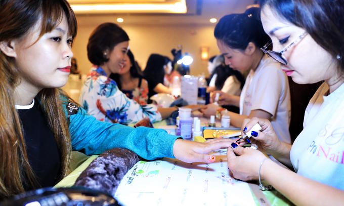 Đông đảo cặp đôi trẻ tham dự Triển lãm cưới 2018 - 10