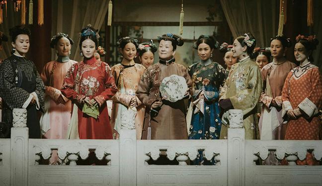 Dàn hậu cung của Càn Long trong Diên Hy công lược.
