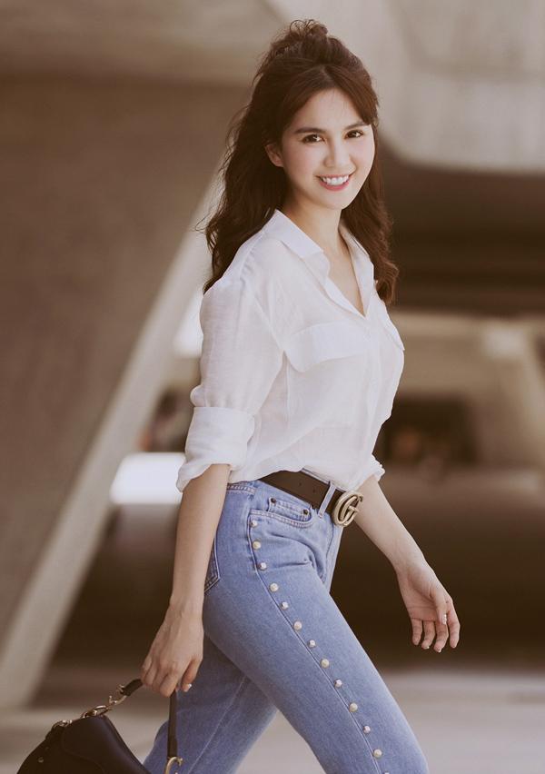 Cô hiện sống thoải mái nhờ thu nhập từ quảng cáo và kinh doanh shop thời trang ở TP HCM.