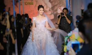 Nhiều bộ sưu tập mới nhất trình diễn tại Triển lãm cưới 2018