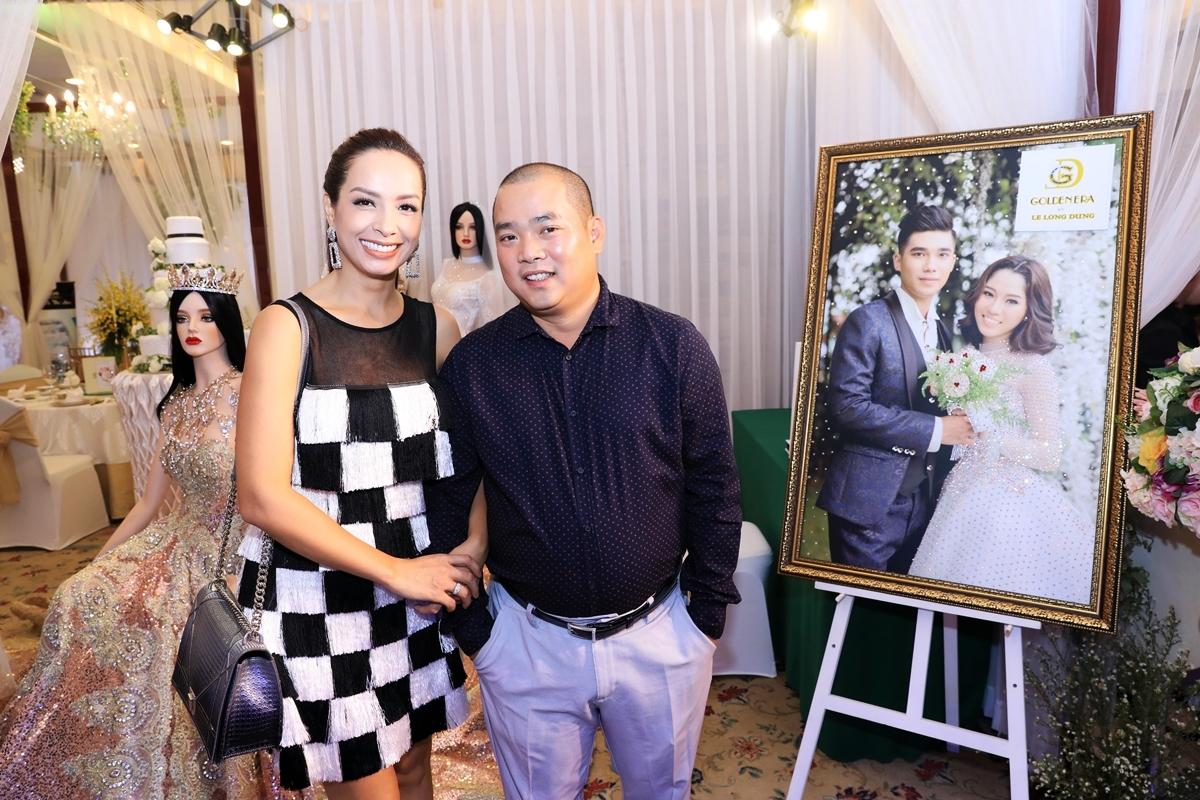 Đăng Khôi và Minh Khang \'bỏ rơi\' vợ để kết hình trái tim