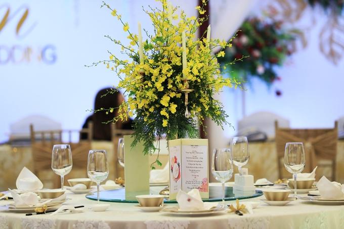 Chuyên gia còn gợi ý cô dâu chú rể thiết kế thực đơn phá cách để thu hút khách mời.