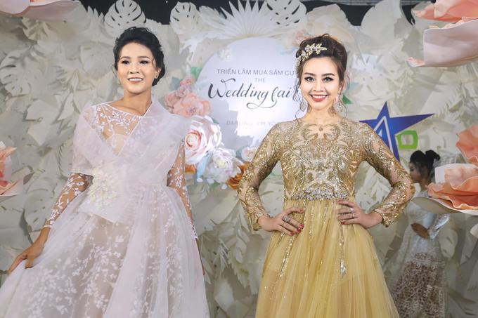 Hai mẫu váy kế tiếp của NTK đều mang nét đẹp trẻ trung, quyến rũ được làm trên chất liệu ren cao cấp.