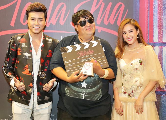 Anh hội ngộ diễn viên Phương Hằng của phim Gạo nếp gạo tẻ và ông xã của cô là ca sĩ Anh Tâm (trái). Phim Tôi là Lụa phát hành trực tuyến trên Youtube từ ngày 25/8.