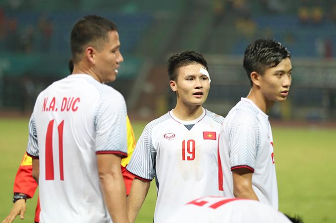 Quang Hải dính chấn thương ở mắt trong trận đấu với Syria. Ảnh: Đức Đồng.