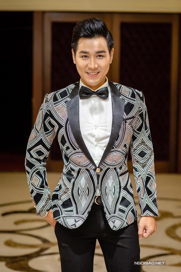 MC Nguyên Khang đảm nhận vai trò dẫn dắt buổi casting.