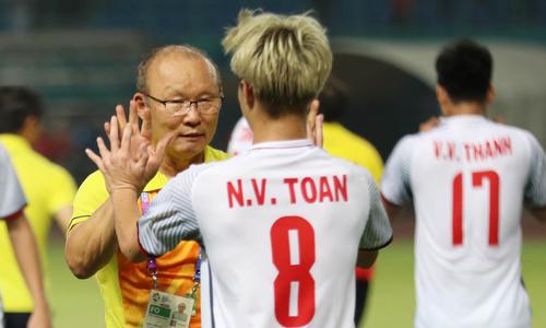 HLV Park Hang-seo: 'Tôi vinh dự khi được dẫn dắt Việt Nam'