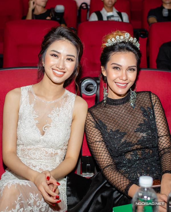 Hoa hậu Thu Ngân đọ sắc bên Miss EarthAngelia Ong - 3