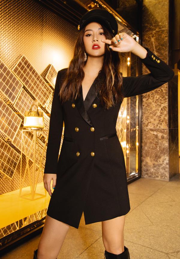 Ngoài ca hát, Quỳnh Anh Shyn còn được xem là một fashionista. Cô có phong cách thời trang biến hóa đa dạng, được nhiều bạn trẻ học hỏi.