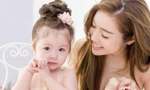 Con gái Elly Trần phàn nàn: 'Mami bày đồ lung tung quá'