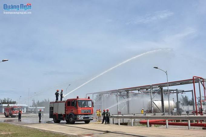 Buổi diễn tập phòng cháy chữa cháy của Công ty Cổ phần kinh doanh Khí miền Nam.