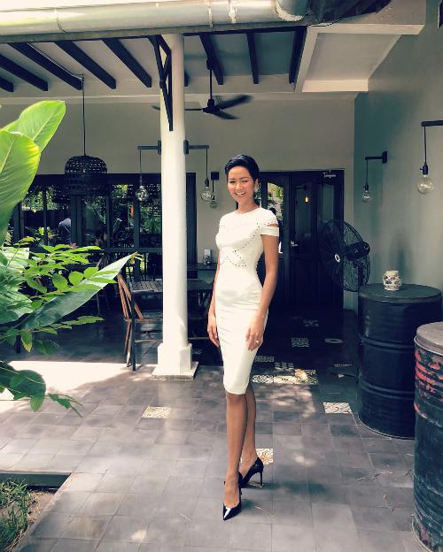 Hoa hậu HHen Niêtiết lộ: Thật là lâu lắm rồi mới nữ tính lại.