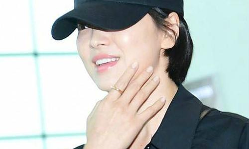 Song Hye Kyo vẫn nổi bật dù không trang điểm