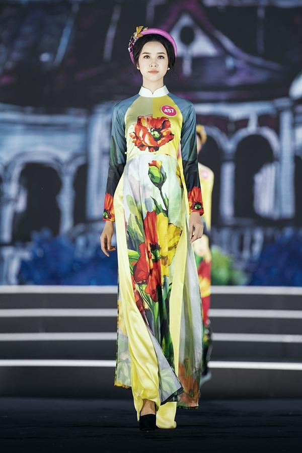 Nhiều thí sinh nhận được lời khen từ ban bình luận, trong đó Nguyễn Thị Thuý An là người đẹp hiếm hoi được ban bình luận yêu thích cả hai màn diễn áo dài và dạ hội. Cô gái miền Tây sở hữu gương mặt xinh đẹp và hiện là sinh viên Đại học Kỹ thuật Công nghệ TP HCM.