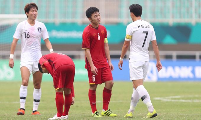 Việt Nam bất lợi vì để thua sớm trước Hàn Quốc. Ảnh: Đức Đồng.