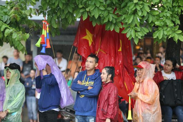 Gần hết hiệp 1 trong trận đấu bán kết giữa đội Việt Nam và