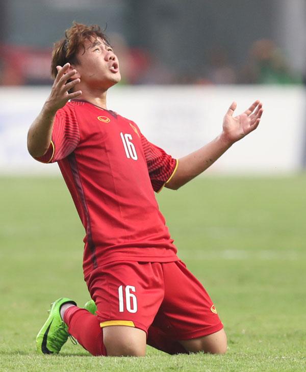 Minh Vương mừng bàn thắng vào lưới Hàn Quốc. Ảnh: Đức Đồng.